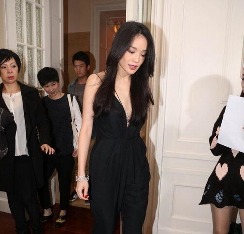 """中国女明星图片大全""""表国排名前20的孬男""""务必给她逐个个地位插图"""