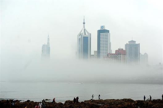山东青岛现平流雾景观