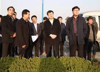 山東臨沂市副(fu)市長邊峰到開發區督導重點項目