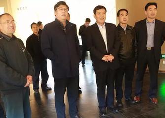 莒南縣黨政考(kao)察(cha)團參觀臨沂經濟技術開發區