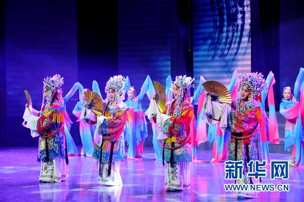 淄博張店:看新年晚會 享視覺盛宴