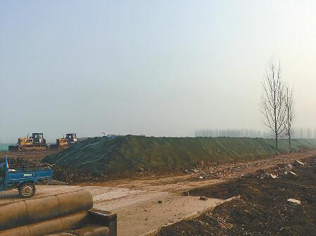 濟南鵲山水庫暗道上方現數十噸渣土