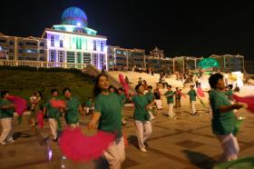 輕歌(ge)曼舞夜萊州