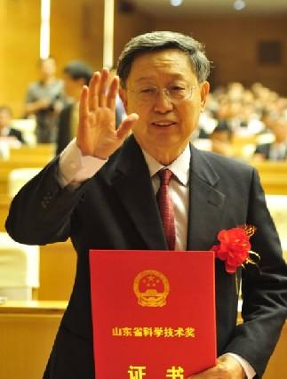 胡敦欣:获省科学技术最高奖