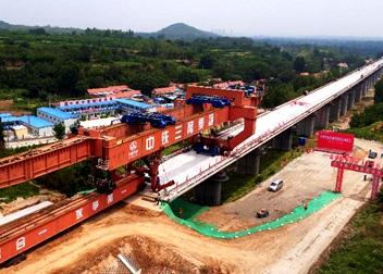 濟青高鐵高速段架梁工程竣工