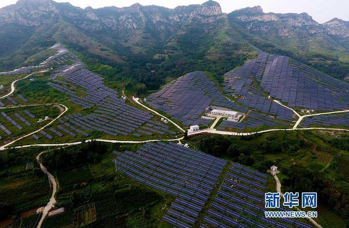 """山東淄博(bo)︰荒山""""種""""出新能源"""