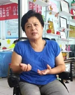 楊萍:坐輪椅為國際品牌打版