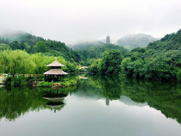 济南红叶谷:教师节当天教师游园享半价优惠