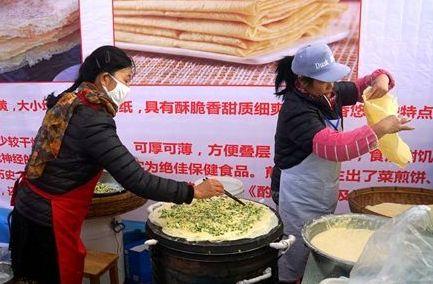 日照嵐山:特色煎餅豆腐 吸引遊客排隊嘗鮮