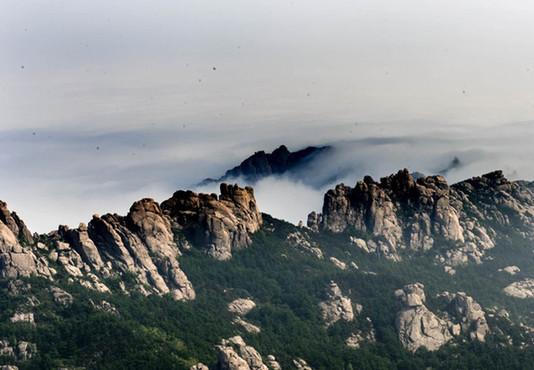 青岛崂山现云海奇观 壮丽磅礴如水墨画卷