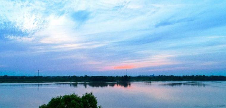 济南黄河大桥:落日余晖 天水相连