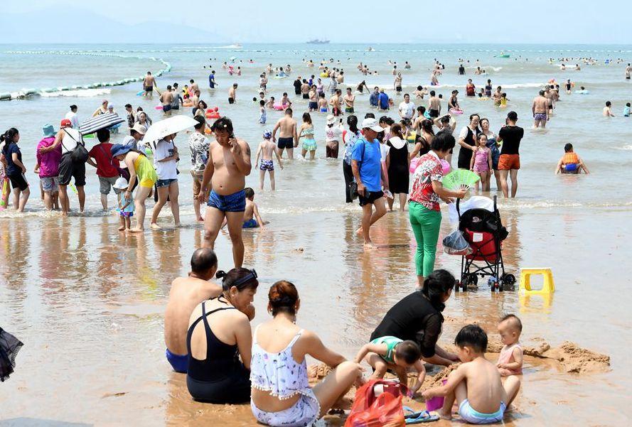 """青岛:湿度95%桑拿初体验 你去海边""""下饺子""""了吗"""