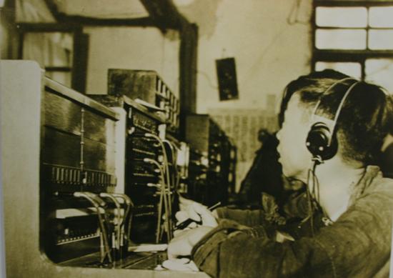1933年以前使用的共电式人工交换机