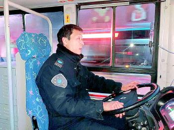 濟南這位司機一人撐起一條通往大山的公交線