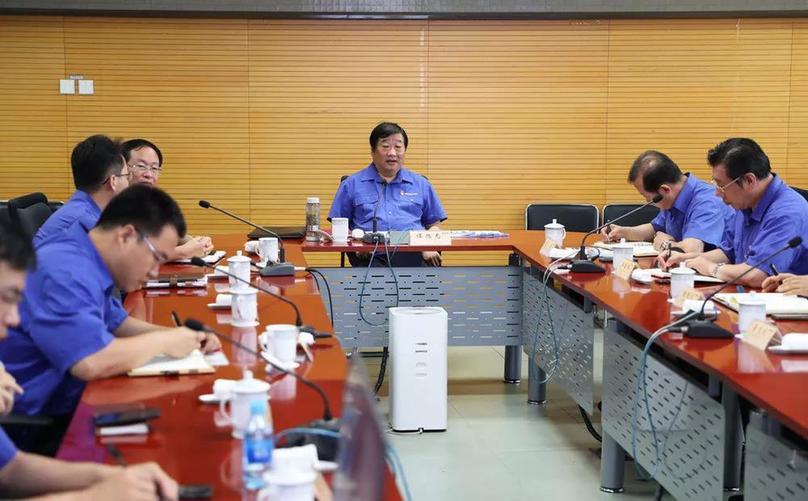 谭旭光视频连线潍柴科技英雄团队