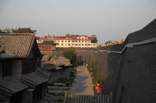 青州古城修复后的古城墙