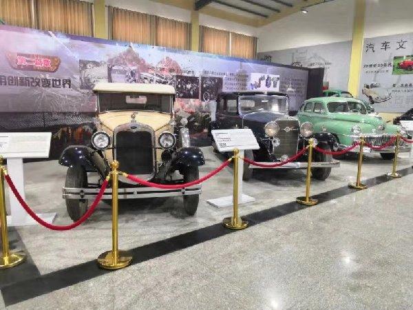 潍坊古典汽车博物馆:一本汽车的活历史