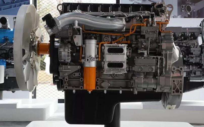 60多台搭载潍柴国六发动机的起重机在深圳正式上岗