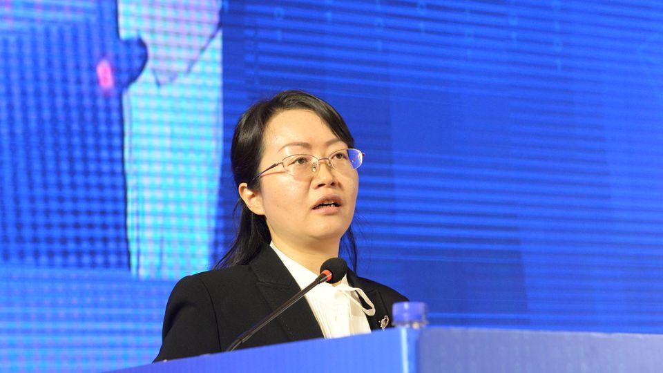 工业和信息化部科技司副司长朱秀梅在开幕式上致辞