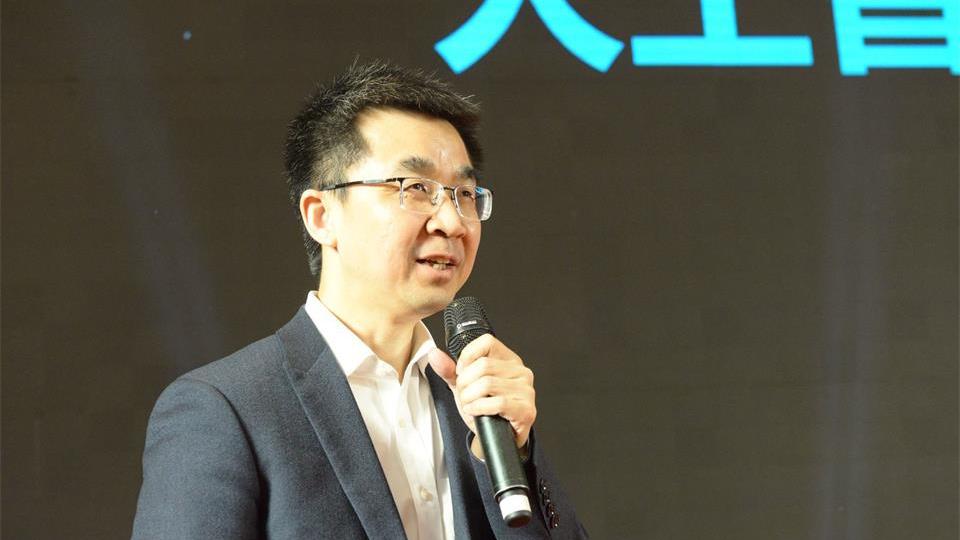 浪潮人工智能与高性能计算总经理刘军发表演讲