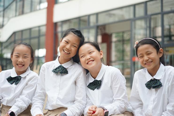 义务教育校服免费惠2.7万学子