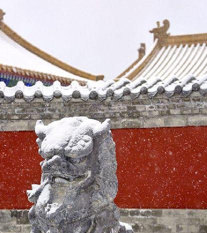 穿(chuan)越回紫禁城既視(shi)感!聊城雪後(hou)古城粉妝玉砌(qi)