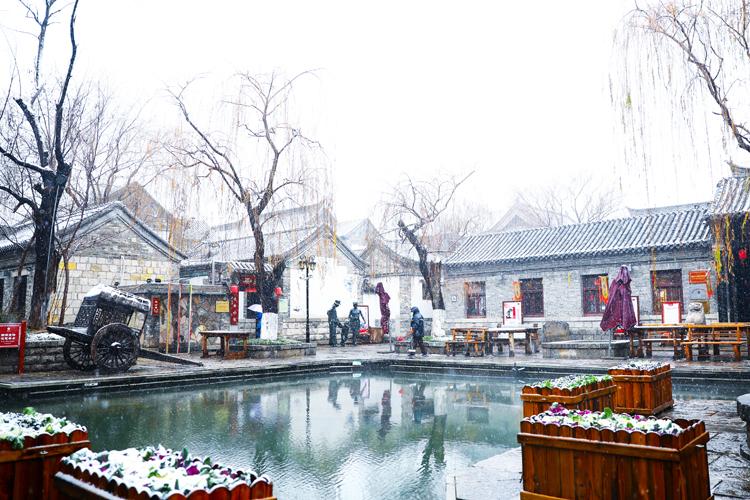 百(bai)花洲雪景