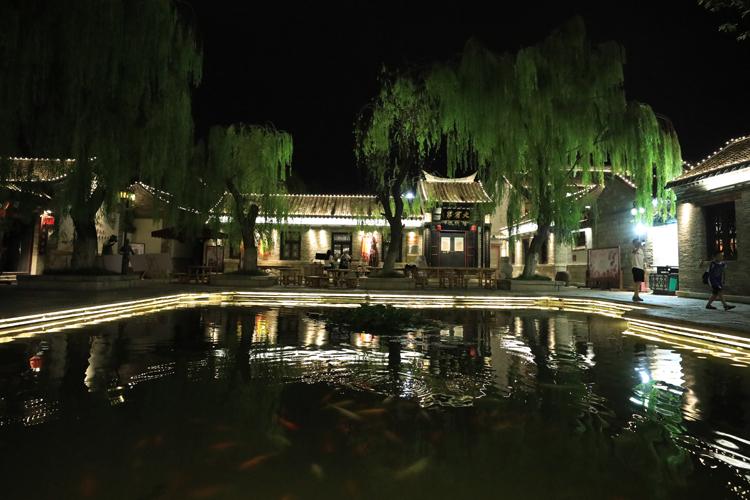 百(bai)花洲夜景