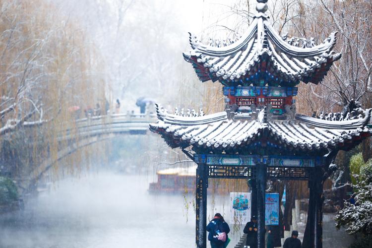護城河雪景