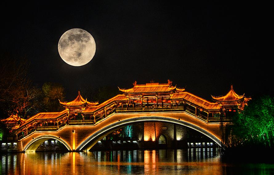 """""""超級月亮(liang)""""耀(yao)古城"""