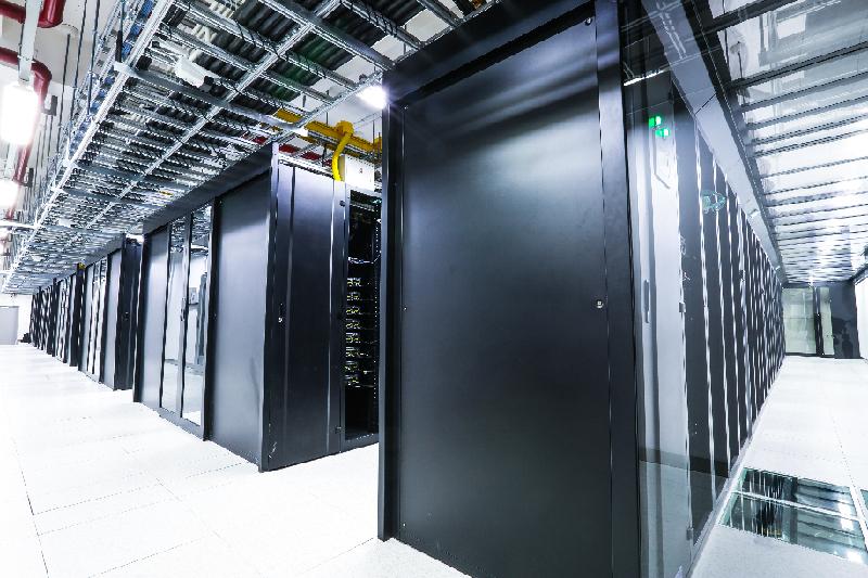 中国移动(山东济南)大数据中心机房内部环境
