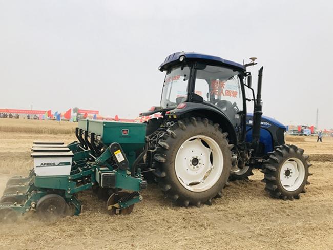 雷沃智慧农机亮相2020智能农机装备田间日活动
