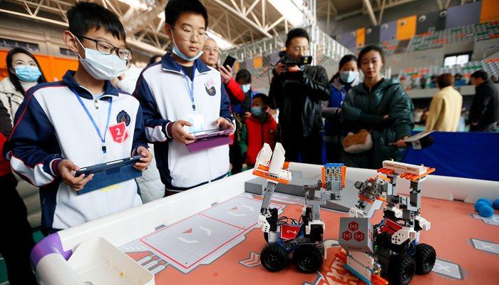 山東即墨舉辦中小學生機器人大賽