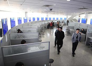 从城阳四方机厂到青岛海尔路人才市场该怎么走?